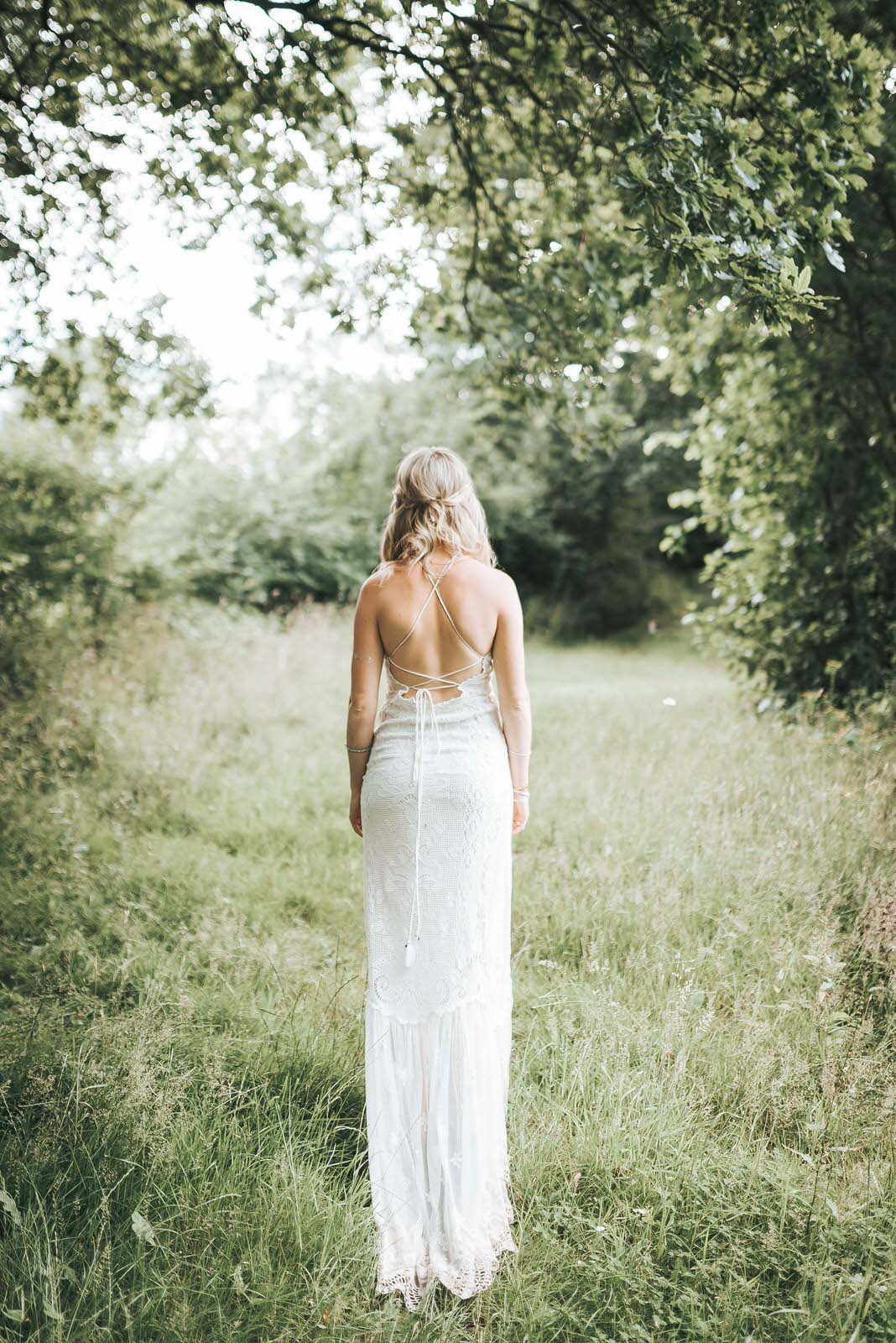 Image of an Essex festival wedding photograph taken by fun Essex wedding photographer at Browning Bros Chalkney Water Meadows in Colchester.