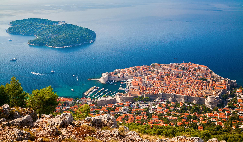 7 Amazing Europe Elopement Locations | European Elopements